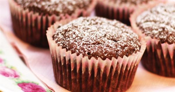 glutenfria chokladmuffins med chokladbitar
